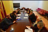 Los grupos municipales analizarán junto a los representantes del sector el nuevo reglamento del Taxi
