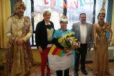 El alcalde acompaña a La Musa y Don Carnal en su tradicional visita carnavalera a la residencia 'La Purísima, junto con la Federación de Peñas