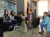 El alcalde recibe a las hermanas Lera, campeonas de España de Lucha Olímpica