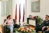 La alcaldesa de Cartagena recibe al Almirante Director del Órgano de Historia y Cultura Naval, Juan Rodríguez Garat