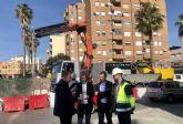Infraestructuras mejora la red de alcantarillado instalando compuertas automatizadas en el colector de la Plaza María Cristina