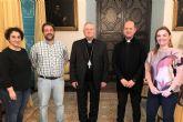 El obispo se reúne con los miembros de la Oficina de Transparencia diocesana
