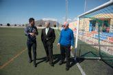 El director general de deportes visita las instalaciones deportivas de Mazarr�n para incluirlas en un plan regional de mejora
