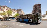 Los autobuses amplian sus horarios hasta la recogida de las procesiones