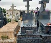 Denuncian actos vandálicos en el Cementerio Municipal de Totana