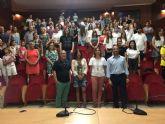El Ayuntamiento reconoce la labor de los 136 voluntarios universitarios que han apoyado a los niños del programa Refuerzo Educativo
