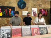 El vestíbulo del Ayuntamiento acoge una exposición de pintura colectiva dedicada al Jazz