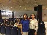La directora general de Mujer, Alicia Barquero explica los nuevos recursos en materia de violencia de género en la reunión de la Mesa Local de Coordinación sobre la materia