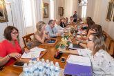 El Gobierno municipal define las competencias de sus concejales, la mesa de contratación y el número y características del personal eventual