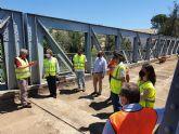 Fomento comienza a instalar la nueva losa de hormigón sobre el tablero del puente de Archena