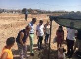 Un total de 16 jóvenes participan en tareas de mantenimiento, limpieza y excavación en el yacimiento de Los Torrejones