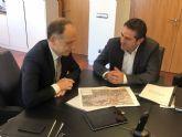 El alcalde de Alcantarilla, Joaquín Buendía, se reunió con el presidente de ADIF, Juan Bravo, para tratar sobre el ferrocarril a su paso por nuestra ciudad