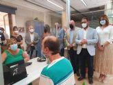 La Oficina de Registro de Lorca estrena un sistema de audiofrecuencia que permitirá a las personas con discapacidad auditiva realizar con sencillez sus trámites administrativos