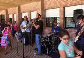 El colegio 'San José' apuesta por la creatividad de los artistas regionales como ejemplo para sus alumnos