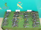 La Guardia Civil se incauta en Santomera de 40 armas de fuego históricas en posesión de un coleccionista