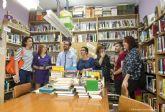 Cultura estudiara futuras colaboraciones para promover actividades en la biblioteca vecinal de Santa Ana