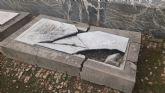 El PSOE denuncia zonas descuidadas y mal acondicionadas en el cementerio municipal y exige a Ballesta actuaciones de mejora