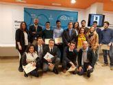 Tres universitarios reciben subvenciones gracias a la Cátedra de Emprendedores