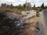 Cambiemos Murcia denuncia un vertedero ilegal en el camino de la Almazara de Guadalupe