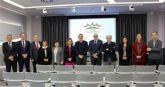 El rector de la Universidad de Murcia visita la sede central de Postres Reina