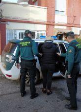 La Guardia Civil arresta a los cuatro miembros de un clan familiar por estafas y hurtos mediante el método del 'abrazo cariñoso'