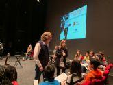 Más de 800 estudiantes de Secundaria disfrutan en el Teatro Romea del concierto por la Paz y la Igualdad de Género