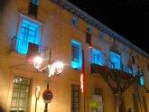 El Ayuntamiento se une al Día Mundial de las Lipodistrofias con el encendido de la fachada principal del edificio consistorial en color turquesa