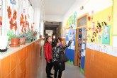 La concejal de Educación agradece a los centros escolares su contribución a la floración