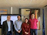 La secretaria general de Educación recibe al ganador del certamen nacional de traducción de latín, Ignacio Martínez