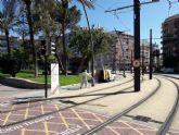 Alumbrado Público limpia y desinfecta los soportes de las farolas de los espacios más transitados del término municipal