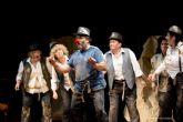 El Aula de Teatro del Desván bajó el telón del curso con una obra, un recital y el Premio Pata de Gallo