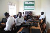 La UPCT monta en Uganda salas de docencia multimedia