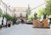 La Plaza del Arco se corta al tráfico los fines de semana de julio y agosto, en las horas centrales del día