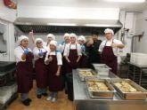 Los alumnos delPrograma de la ADLE Tres Tenedores comienzan la fase de trabajo en el Comedor Solidario Jesus Maestro y Pastor