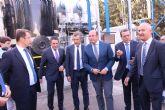 El presidente de la Comunidad asiste a la puesta en marcha de un nuevo equipo depurador de gases de la empresa ´Derivados Químicos´