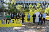 Martínez Vidal entrega el Premio Emprendedor del Año Info-CLH