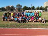 El Director General de Deportes visita un entrenamiento del UCAM Atletismo Cartagena