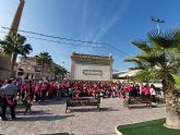 Más de 300 personas participan en la marcha senderista con motivo de los actos por el Día del Cáncer de Mama