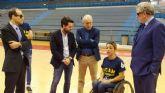 La ONCE entrega tres sillas de ruedas adaptadas al club deportivo UCAM Murcia BSR