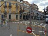 Comienza la instalación de la carpa para la Feria de Día en la plaza de la Constitución
