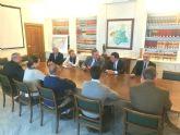 El presidente de la MCT detalla al delegado del Gobierno una inversión de 11 millones de euros para aumentar el rendimiento de las desaladoras