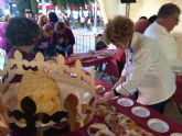 Se retoma la actividad del 'Roscón de Reyes Solidario' a beneficio de la Asociación de Fibromialgia y Fatiga Crónica de Totana (ASTOFIBROM)