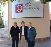 Jesús Abandonado recibe la visita del consejero de Salud, Manuel Villegas, tras la recepción del premio 'Salutis Gratia'