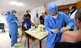 El Ayuntamiento vacuna contra la Covid-19 a 60 trabajadores y usuarios de Jesús Abandonado
