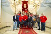 El alcalde recibe al grupo cultural y excursionista Cathagenericos de Pura Cepa