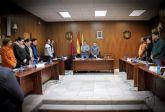 Minuto de silencio por el fallecimiento del ex concejal López Juárez. Toma posesión la nueva edil del PSOE, Susana Valcárcel
