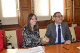 La UMU firma un convenio de voluntariado con Auxilia para colaborar en la integración de personas con discapacidad física