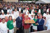 Miles de personas celebran el 8° Día del Pastel de carne con una gran fiesta en Belluga