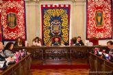 El Pleno municipal pide que no se apliquen las restricciones de personal impuestas la Ley de Presupuestos a empresas como SAES
