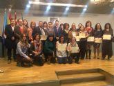 Los alumnos del Programa Mixto de Empleo y Formación  reciben su certificación profesional en atención a personas dependientes